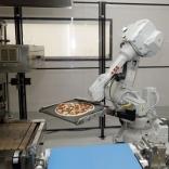 رستوران تمام اتوماتیک PAZZI یک استارتاپ رباتیک